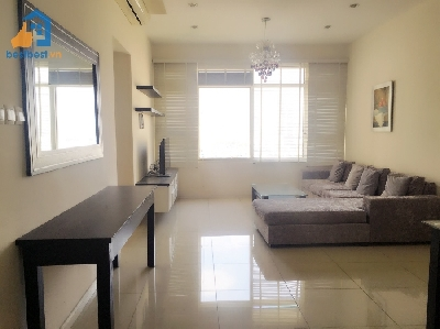 Apartment for rent in Binh Thanh district - Saigon Pearl. It is located on Nguyen Huu Canh Street, Binh Thanh District, HCMC, having good location from which tenants just need few minutes to drive to city center, restaurants or coffee shops such as MOF Japanese Sweet & Café, Saigon River Club,...